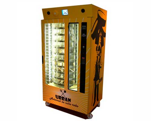 Saso-Sedlacek_Urban_woodenware-vending-machine